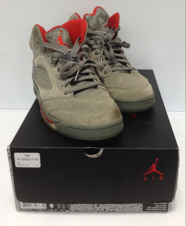 7c223c68e521 NIKE AIR JORDAN 5 RETRO CAMO DARK STUCCO UNIVERSITY RED 136027-051 SIZE 9  c kn