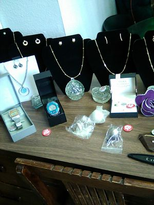 Jewelry and crystal candy dishws for Sale in Colorado Springs, CO