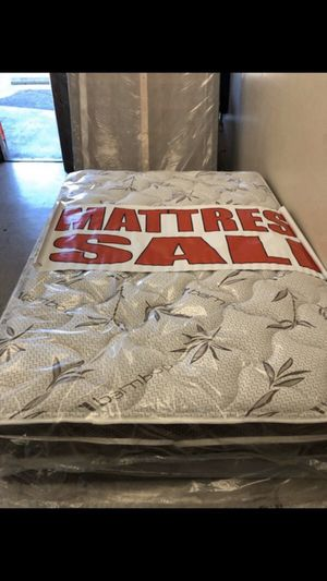 Queen mattress with boxspring for Sale in Riverside, CA