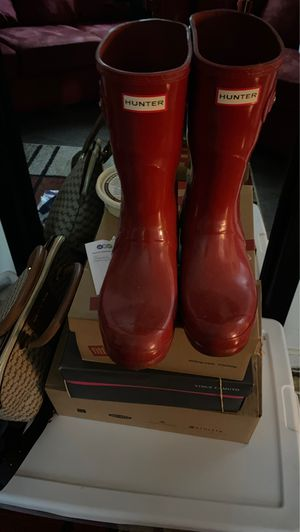 Hunter rain boots red size 10 40.00 worn twice for Sale in Philadelphia, PA
