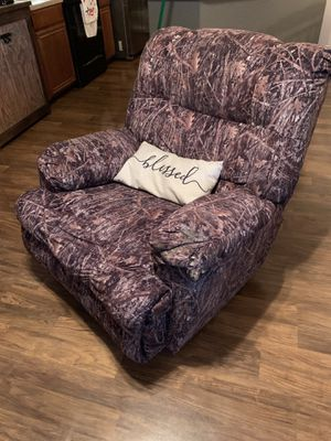 Camo recliner rocker for Sale in Waxahachie, TX