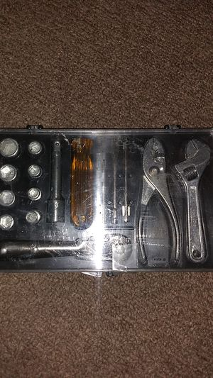 17 Piece Tool Kit for Sale in Frankfort, IN