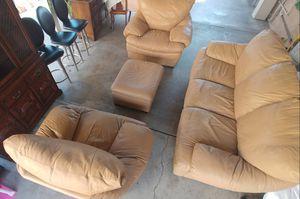 SET DE SOFAS DE PIEL ECHOS EN ITALIA $125 for Sale in Garden Grove, CA