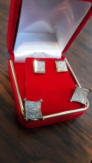 Ear rings diamonds 10kt gold for Sale in Bakersfield, CA