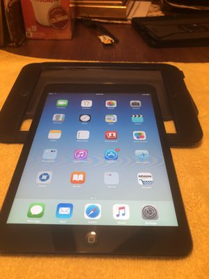 iPad* iPad Mini* Macbook* Toshiba Laptop* Vivitar 50MM * Nikon Camera for Sale in Los Angeles, CA