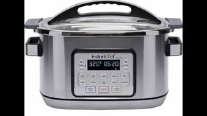 Instant Pot 6 qt Aura Multi Cooker for Sale in Pearland, TX
