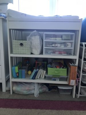 Changing table, mattress pad not included for Sale in Miami, FL