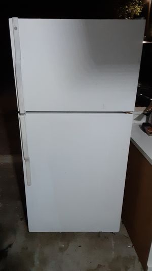 Whirlpool fridge! Delivery included 100! for Sale in Miami, FL