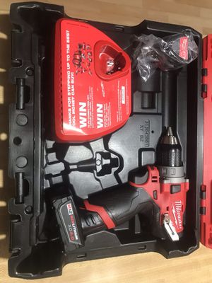 NEW UNUSED MILWAUKEE 2503-22 DRILL DRIVER SET WITH EXTRA BATTERY for Sale in Nineveh, IN