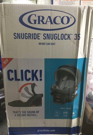 Grace snugride snuglock 35 infant car seat for Sale in Detroit, MI