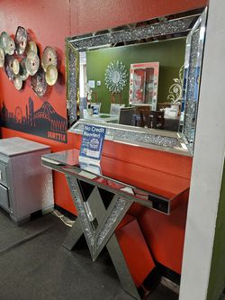 Sofa table And Mirror for Sale in Everett,  WA