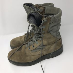 Belleville AFTW Military Combat Boots Men's Size 9 for Sale in Anchorage, AK