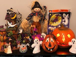 Halloween decors and ghost yard signs bundle (make offer) for Sale in Houston, TX