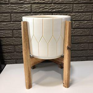 White Ceramic & Wood Plant Stand/ Pot for Sale in Salt Lake City, UT