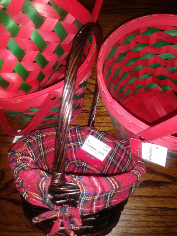 Christmas baskets never used with tags still on