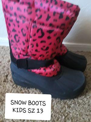 KIDS SZ 13 SNOW BOOTS for Sale in Surprise, AZ