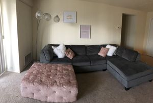 Living room couch set for Sale in WILOUGHBY HLS, OH