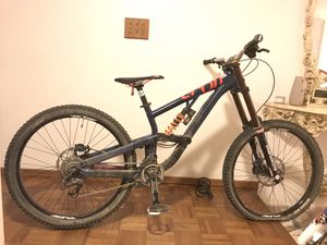 2015 Scott Voltage FR downhill mountain bike for Sale in Hacienda Heights, CA