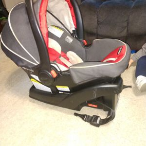 Graco SnugRide Click Connect 35 Infant Car Seat - Chili Red for Sale in Dickinson, TX