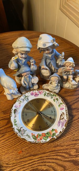$20 porcelain nik naks and clock for Sale in Erie, PA