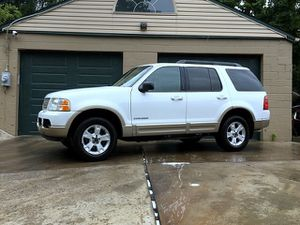 2005 Ford Explorer Eddie Bauer - leather sunroof cd for Sale in Pittsburgh, PA