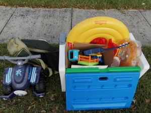 Free toys and chest for Sale in Haines City, FL