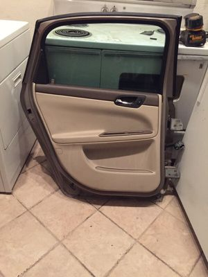 2007 CHEVY IMPALA DOORS $90 for Sale in Phoenix, AZ