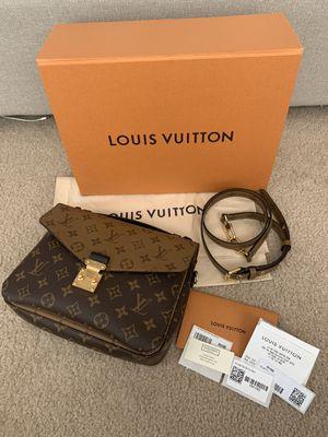 LOUIS VUITTON Pochette Metis Reverse for Sale in Las Vegas, NV
