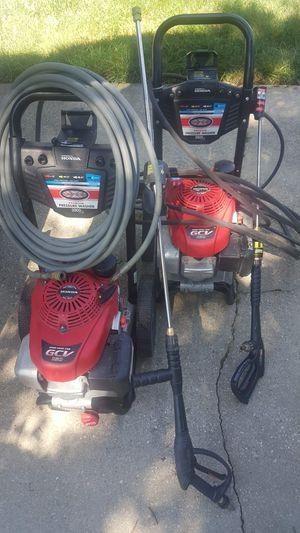 PACKAGE (2) HONDA SIMPSON PRESSURE WASHERS , COMMERCIAL HOSE 300 FEET, CHEMICAL - WATER TANK WITH DUAL USE , GUNS LIKE NEW, SURFACE CLEANER for Sale in Upper Marlboro, MD