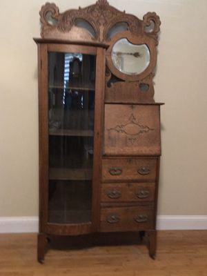 DISPLAY CABINET AND DESK for Sale in San Clemente, CA