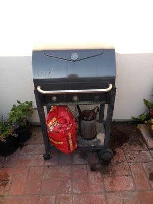 Charcoal BBQ grill for Sale in Seal Beach, CA