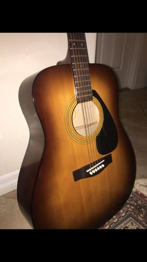 YAMAHA F310 Acoustic for Sale in Tampa, FL
