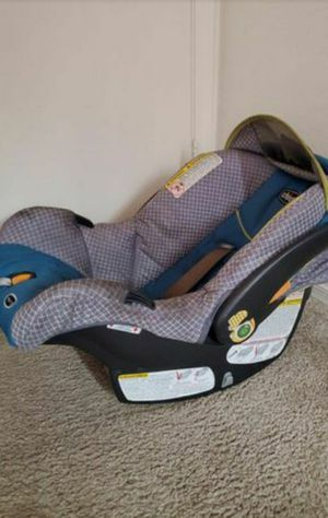 Infant car seat with base for Sale in Chandler, AZ