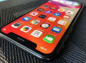 iPhone X 256GB UNLOCKED for Sale in Miami Beach, FL
