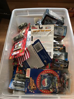 Various NASCAR and hot wheels collectibles for Sale for sale  Woodbridge Township, NJ