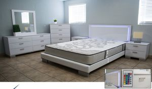 LED WHITE GLOSSY BEDROOM SET QUEEN for Sale in Hialeah, FL
