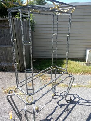 Light metal picture stand for Sale in Whitehall, OH