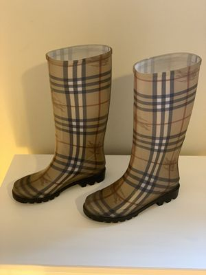 Burberry Rain Boots 👢 for Sale in Rockville, MD