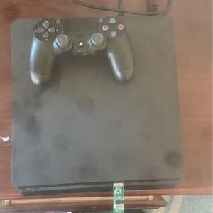 PS4 Slim, Turtle Beach Headset, Controller. Perfect Condition. for Sale in Cranberry Township, PA