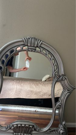 Dresser mirror for Sale in Kent,  WA