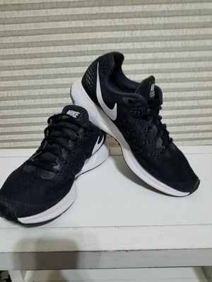 Mens Nike Zoom Pegasus size 8.5 for Sale in Grand Prairie, TX