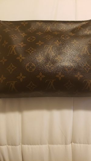 Louis Vuitton toiletry bag for Sale in Bristol, CT