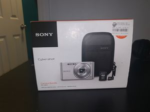 Sony Cyber Shot Camera Bundle for Sale in Los Angeles, CA