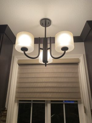3-Light Bronze Finish Dining Room Table or Kitchen Chandelier for Sale in Buena Park, CA