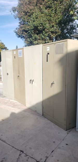 Metal storage cabinets for Sale in Fullerton, CA