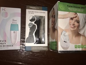 Brand New Electronic skin scrubber, facial cleanser, and facial steamer. for Sale in Cleveland, OH
