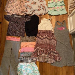 Girls Clothes Size 4-5 And 5-6 for Sale in Alexandria, VA