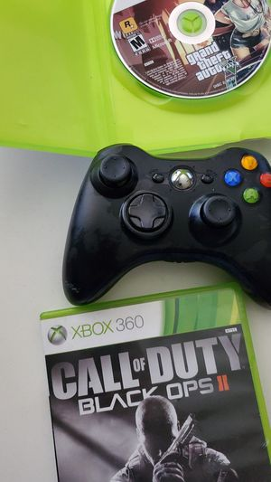 Xbox 360 controller with 2 games for Sale in Anaheim, CA