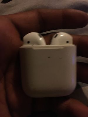 Airpod fully working for Sale in Chicago, IL