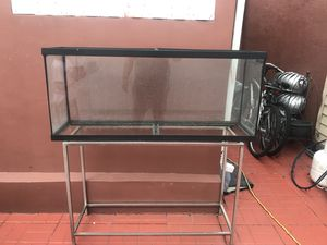 Fish tank 55 gallon for Sale in Hialeah, FL